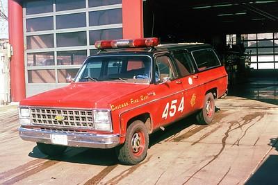 EMS FIELD CHIEF 4-5-4  1980  CHEVY SUBURBAN   B-420   X- BATTALION 20