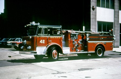 CHICAGO FD  ENGINE 42  SEAGRAVE     DON FEIPLE PHOTO