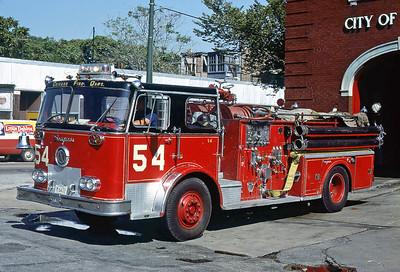 CHICAGO FD  ENGINE 54  SEAGRAVE