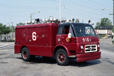 LIGHT TRUCK 916  IHC-PIERCE