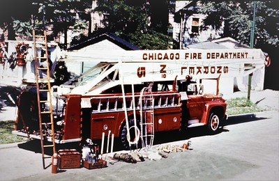 CHICAGO FD  SNORKEL 5  FORD F - HI-RANGER  95'  REAR VIEW     RON HEAL PHOTO