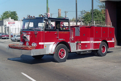 SQUAD 5  1975  SEAGRAVE - 1992  CFD SHOPS   D-407   X- ENGINE 7