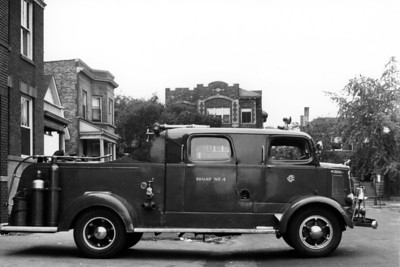SQUAD 4  1940 MACK  C-37  1219 GUNNISON  ASSIGNED IN 1940