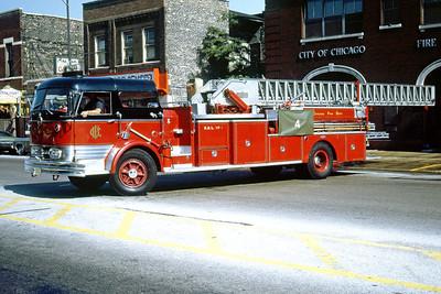 CHICAGO FD  TRUCK 4  1966  MACK C95 - PIRSCH   100' MIDSHIP