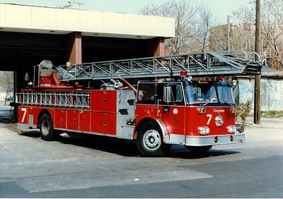 TRUCK 7 1974 SEAGRAVE 100' E-196