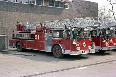 CFD TRUCK 51 1969 SEAGRAVE  100'  E-180  BF