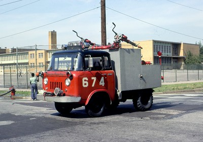 CHICAGO FD  TURRET WAGON 6-7-4  JEEP - CFD     DON FEIPLE PHOTO