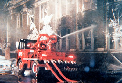 CHICAGO FD  TURRET WAGON 6-7-1  MACK MB - CFD   FLOWING WATER    DON FEIPLE PHOTO
