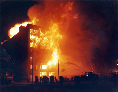 CHICAGO FD  4-11  1441 S WABASH  8-11-1983   PHOTO 1   DAVE BERGER PHOTO