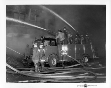 CHICAGO FD  4-11  5541 S COTTAGE GROVE   7-6-1962   HIGH PRESSURE UNIT FLOWING TWO GUNS