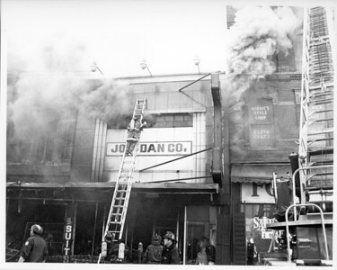 CHICAGO FD  2-11  1300 S HALSTED   9-4-1982   DAVE BERGER PHOTO
