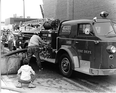 5-11 CLUB MUSTER AT THE FIRE ACADEMY  ENGINE    ALF 700   JIM BURKE PULLING THE HANDLES