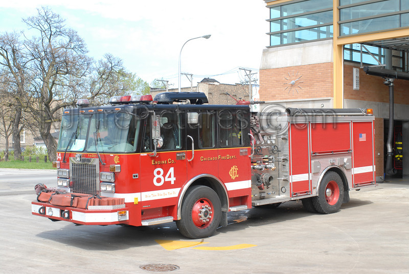 CHICAGO ENGINE 84 - 2001 SPARTAN/LUVERNE 1500/500 #FDD590