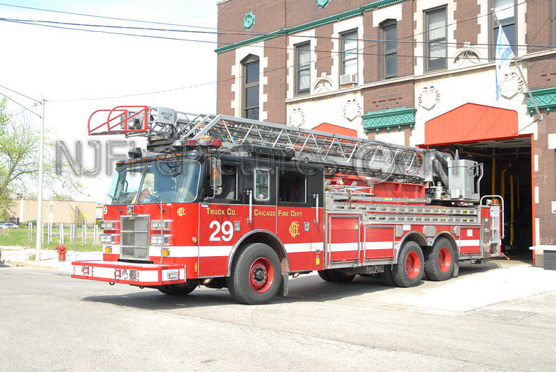 CHICAGO LADDER 29 - 2001 PIERCE DASH 100'  #FDE303