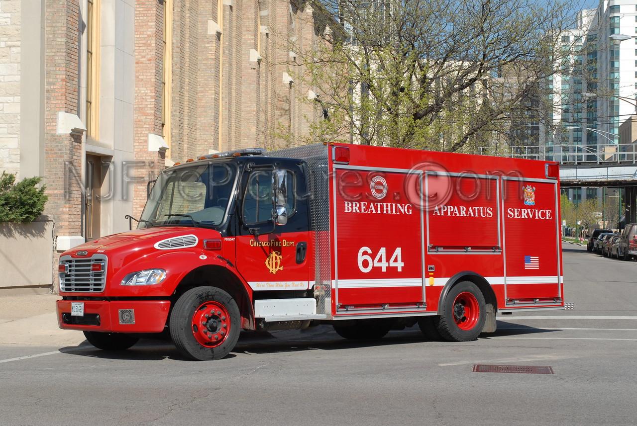 CHICAGO BREATHING AIR 644 - 2005 FREIGHTLINER #FDG547
