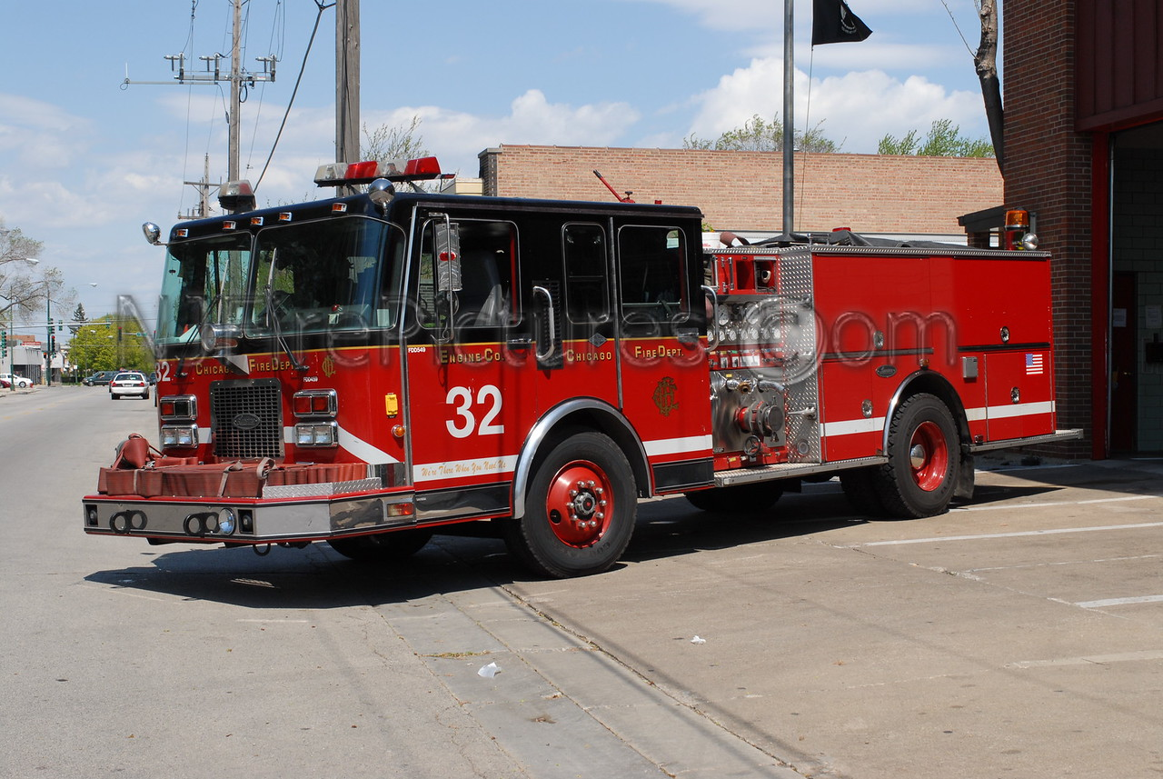 CHICAGO ENGINE 32 - 1995 SPARTAN/LUVERNE 1500/500 #FDD549