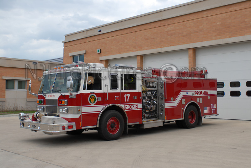 SKOKIE, IL RESCUE 17 - 1999 PIERCE SABER 1500/500