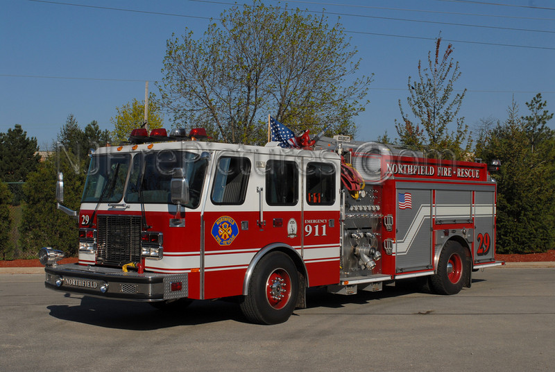 NORTHFIELD, IL SQUAD 29 - 1997 EMERGENCY ONE 1250/750/30