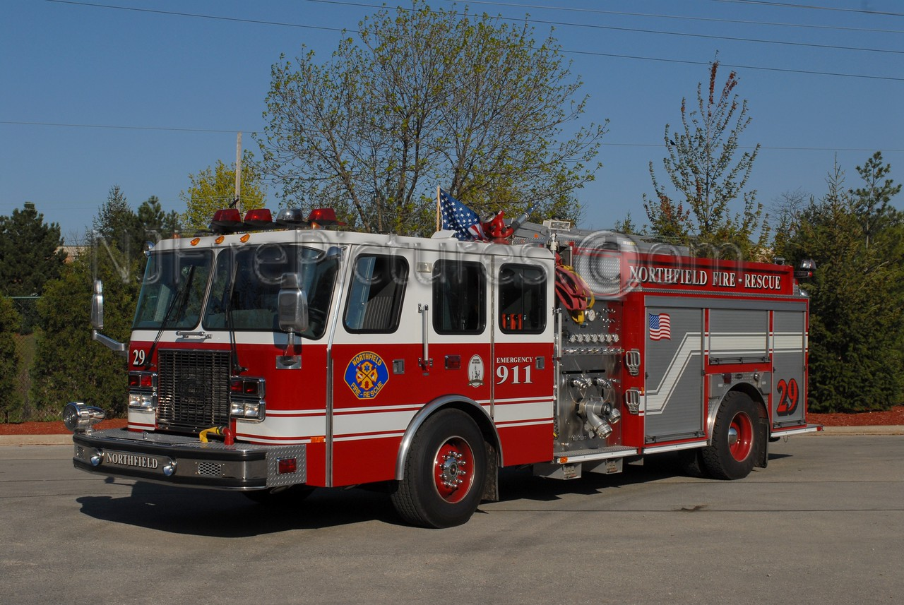 NORTHFIELD, IL SQUAD 29 - 1997 EMERGENCY ONE 1250/750/30