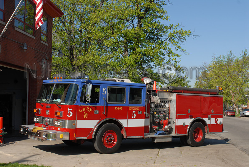 Gary - Engine 5 - 1990 Pierce Arrow 1500/500