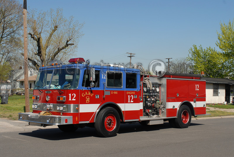 Gary - Engine 12 - 1990 Pierce Arrow 1500/500