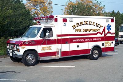 BERKELEY AMBULANCE 354  1990 FORD E350 - MOBILE MED