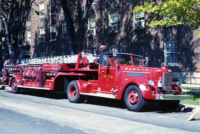 BERWYN  TRUCK 94  1954 PIRSCH  100' TDA  OFFICERS SSIDE