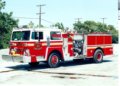 BERWYN FD ENGINE 911 HENDRICKSON / PIERCE