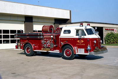 BROADVIEW FD ENGINE 215 AMERICAN LA FRANCE