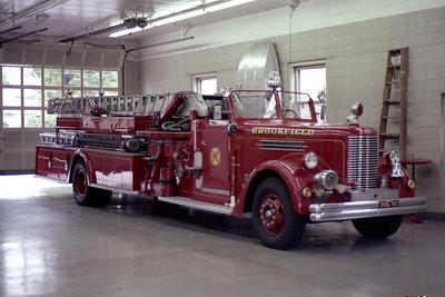 BROOKFIELD FD  TRUCK 319  1949  PIRSCH  750-100-65'   # 1754   INSIDE SHOT