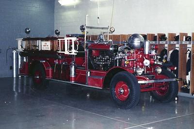 BROOKFIELD FD  ENGINE 1  1924  AHRENS FOX   800-60   INSIDE SHOT
