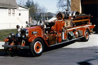 ELMWOOD PARK QUAD 2  1929 PIRSCH  600 GPM - 400 TANK