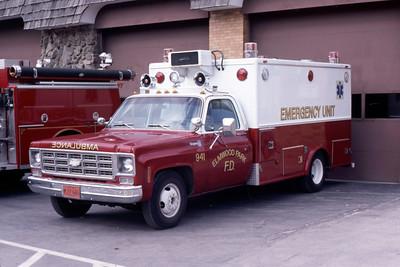 ELMWOOD PARK  AMBULANCE 941   CHEVY -   JEFF SCHIELKE PHOTO