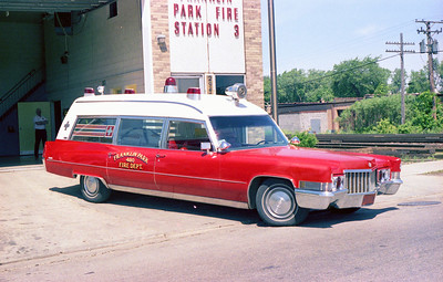 FRANKLIN PARK  AMBULANCE 480   CADILLAC