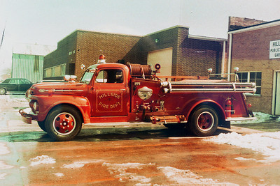 HILLSIDE FD ENG 401  1952 FORD - CENTRAL ST LOUIS   500-300  JEFF SCHIELKE COLLECTION  BF