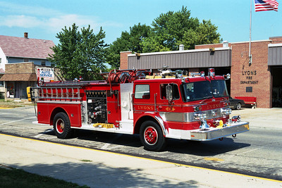 ENGINE 411  OSHKOSH - PIERCE