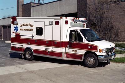 AMBULANCE 1215  FORD E-350