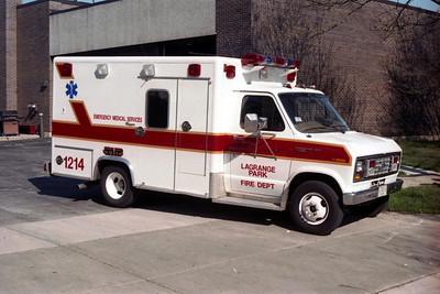 AMBULANCE 1214  FORD E-350