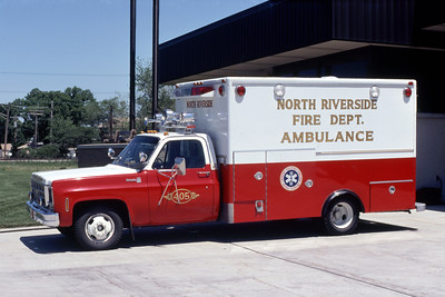 NORTH RIVERSIDE  AMBULANCE 405   CHEVY -    JEFF SCHIELKE PHOTO