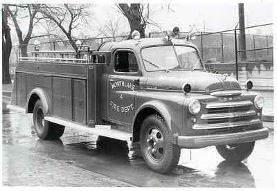 NORTHLAKE  ENGINE 804  1949 DODGE B2170 - DARLEY   500-500   #117