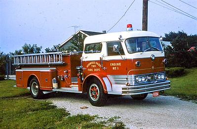 NORWOOD PARK FD  ENGINE 101  1968  MACK C95   1000-300   C95-1087  OFFICERS SIDE