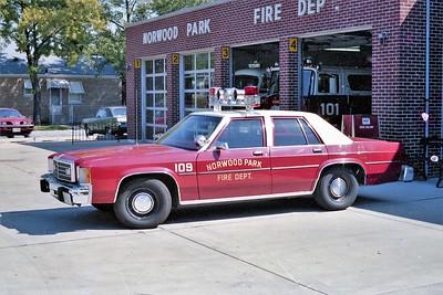 NORWOOD PARK FD  CAR 109  1980  FORD LTD