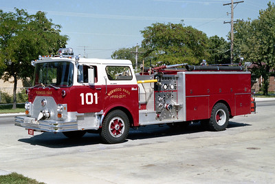 NORWOOD PARK FD  ENGINE 101  1977  MACK CF600   1250-500   CF684F12-1954
