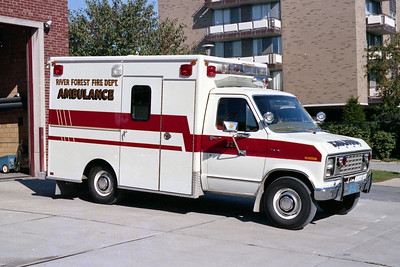 RIVER FOREST FD  AMBULANCE 225  1982  FORD E350 - EVF