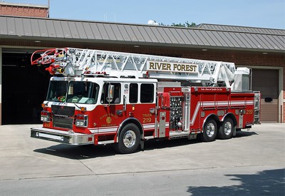 RIVER FOREST FD  TRUCK 219   2013 SMEAL  2000 - 400 - 105'    4164