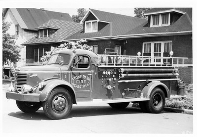 STONE PARK FD  1953 REO-DARLEY  500-