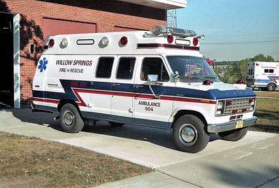 WILLOW SPRINGS  AMBULANCE 604  1997 FORD E350 - ROAD RESCUE