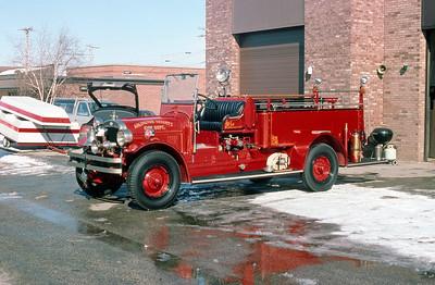 ARLINGTON HEIGHTS FD  ENGINE 1  1921 SEAGRAVE   #54950