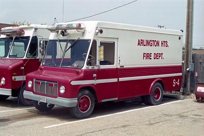 ARLINGTON HEIGHTS FD  SQUAD 4