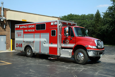 BUFFALO GROVE FD  SQUAD 246  2005  IHC 4400 - MARION   OFFICERS SIDE